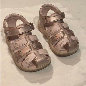 EUC 6.5 wide Toddler Stride Rite sandals